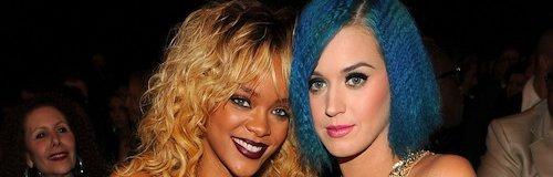 Rihanna and Katy perry hang out at grammy awards