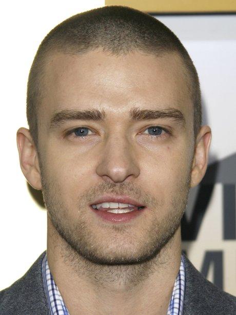 2006: He really likes shaving his hair, eh? - 31 Photos Of ... Justin Timberlake Mirrors