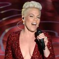 Pink at the Oscars 2014 live