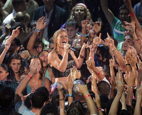 Kelly Clarkson VMA's 2005