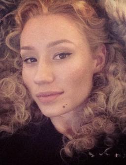 Iggy Azalea Curly Hair