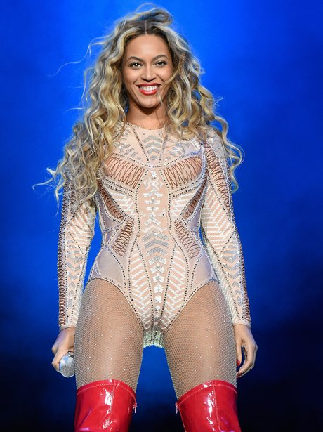 Beyonce performs onstage during the 2015 Budweiser