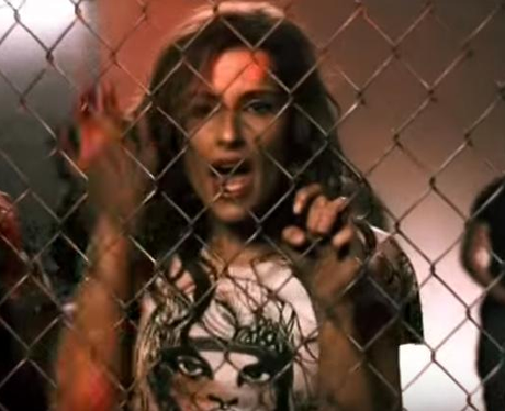 Nelly Furtado - 'Maneater' music video