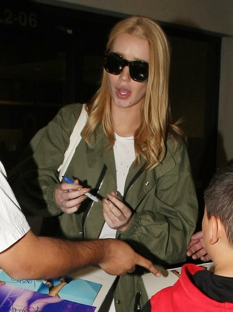 POTW 18th April Iggy Azalea spotted without engage