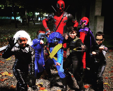 Celebs Who Go All Out For Halloween Ryan Reynolds