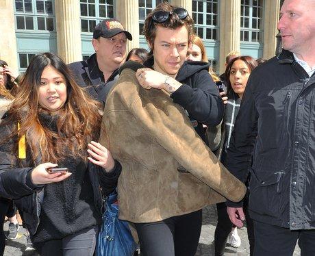 Harry Styles lands in Paris